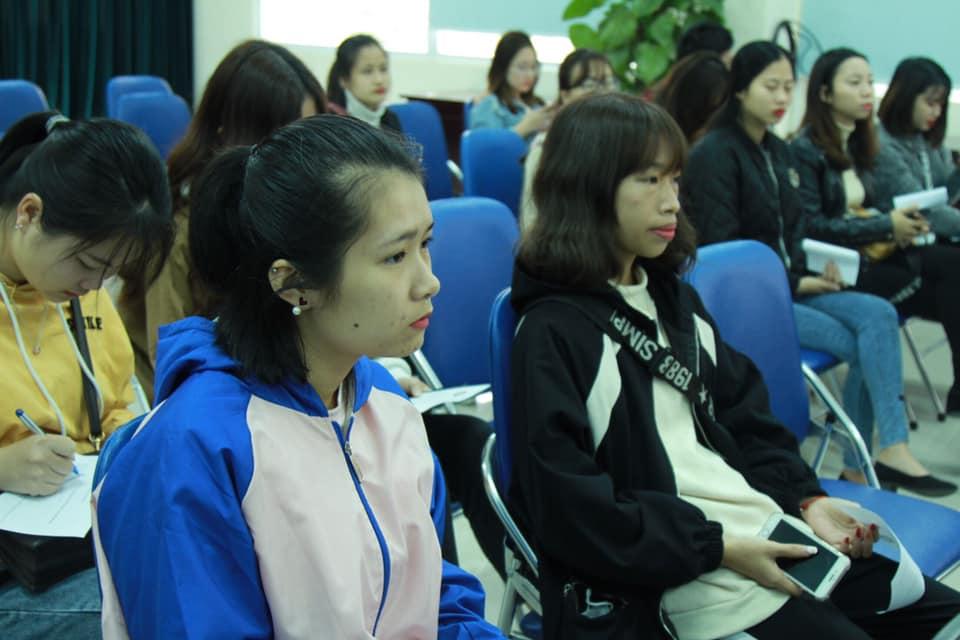 Công ty CP Nghiên cứu Da liễu Đông y Việt Nam đồng hành cùng sinh viên trong sự kiện Vì vẻ đẹp của một nửa thế giới 4