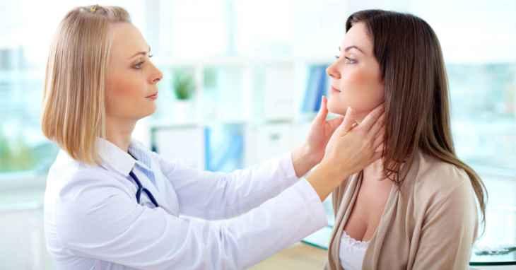 Nếu thấy cơ thể có biểu hiện lạ người bệnh nên đi gặp bác sĩ sớm