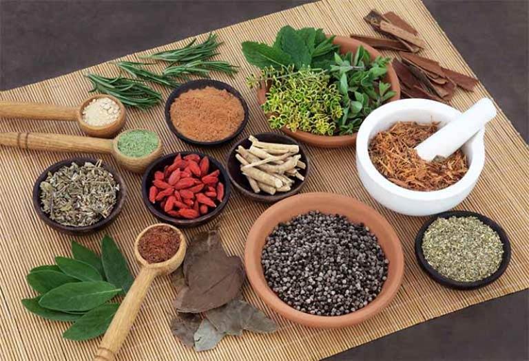 Bài thuốc Đông y chữa phong ngứa nổi mề đay từ gốc