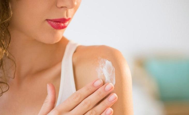 Các loại thuốc bôi giúp giảm ngứa và triệu chứng khô da tại chỗ