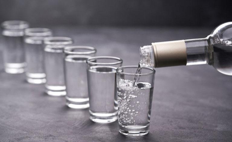 Rượu là chất dẫn và giúp tăng dược tính của thảo dược