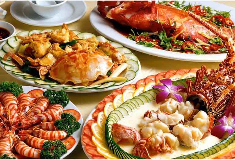 Sử dụng những loại thực phẩm dễ gây dị ứng là nguyên nhân dẫn đến tình trạng nổi mề đay