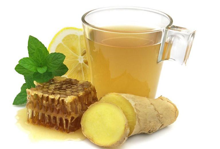 Khi bị mề đay sử dụng trà gừng mật ong giúp cải thiện tình trạng ngứa