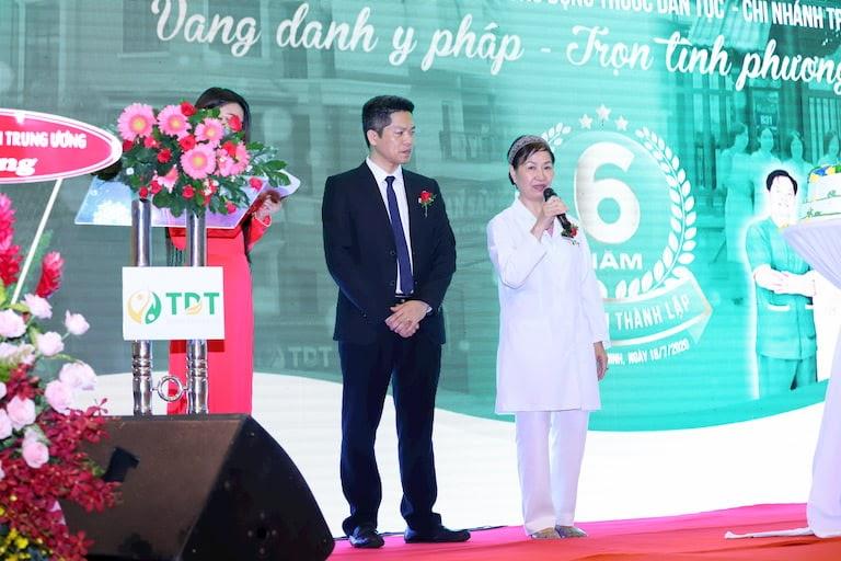 Ông Nguyễn Quang Hưng và Bác sĩ Nguyễn Thị Phương Mai cùng phát biểu, chia sẻ định hướng phát triển của Trung tâm thời gian tới