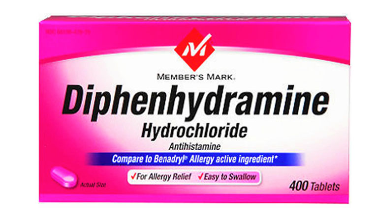Thuốc Diphenhydramine dạng uống giúp cải thiện tình trạng ngứa ngáy khó chịu