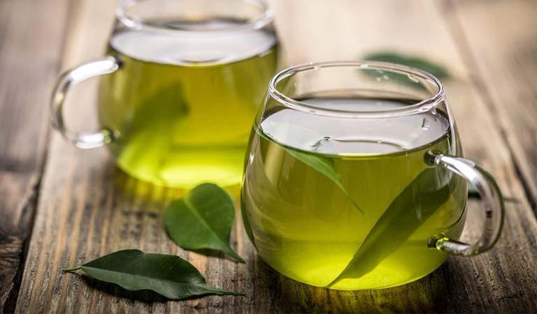 Uống nước trà xanh giúp thanh lọc cơ thể và đào thài chất độc nhanh chóng