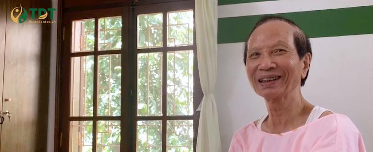 Bố anh Nguyễn Năng Lượng cũng điều trị trào ngược dạ dày tại Thuốc dân tộc