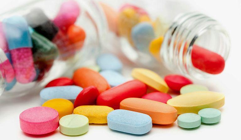 Người bệnh cần thận trọng khi sử dụng thuốc Tây y vì có thể gây nhiều tác dụng phụ