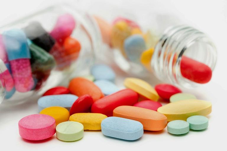 Có thể giảm triệu chứng bằng thuốc Tây nhưng cần chú ý tác dụng phụ
