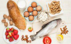 Dị ứng thức ăn nổi mề đay triệu chứng thế nào, nguy hiểm không?