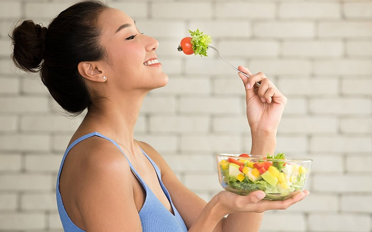 Ăn nhiều rau củ quả tốt cho người bị vảy nến