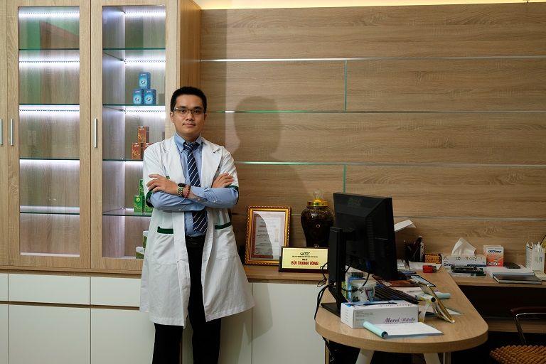Thầy thuốc Bùi Thanh Tùng - Sở hữu kiến thức, kinh nghiệm chuyên môn cả Tây y và Đông y