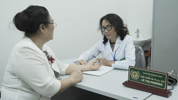 Nghệ sĩ Kim Xuyến may mắn gặp được bác sĩ Lê Phương và trị khỏi bệnh viêm xoang mũi