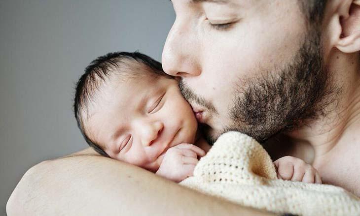 Tinh trùng yếu có thể được chữa khỏi, nam giới vẫn có thể làm cha