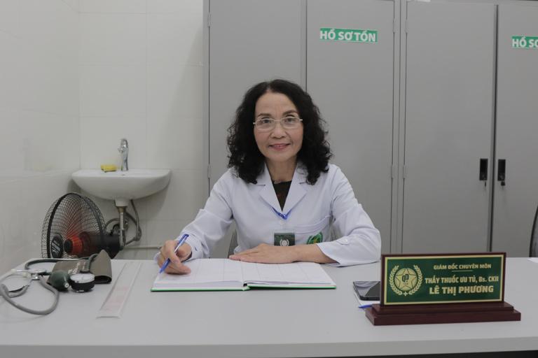 Bác sĩ Lê Phương gặp gỡ và chia sẻ với phóng viên Tạp chí Y học cổ truyền