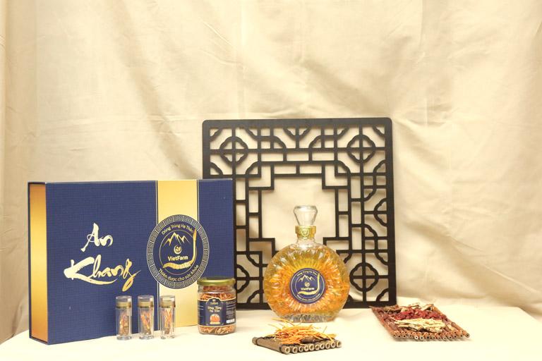 Các sản phẩm ấn tượng của đông trùng hạ thảo Vietfarm được trưng bày tại hội thảo