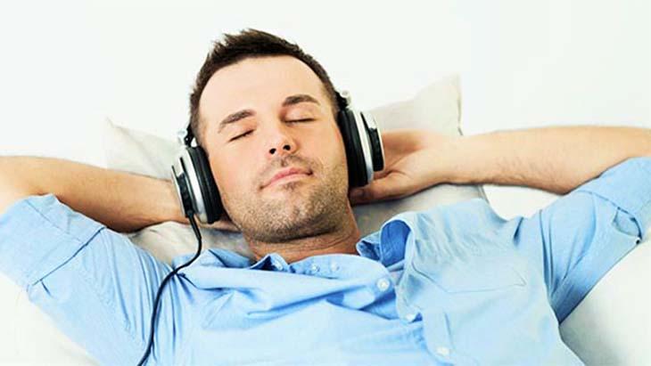 Phái mạnh nên giữ cơ thể ở trạng thái thư giãn, tránh mệt mỏi