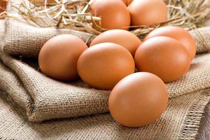 Trứng gà chứa nhiều chất dinh dưỡng nên cách chữa yếu sinh lý bằng trứng gà được rất nhiều người lựa chọn