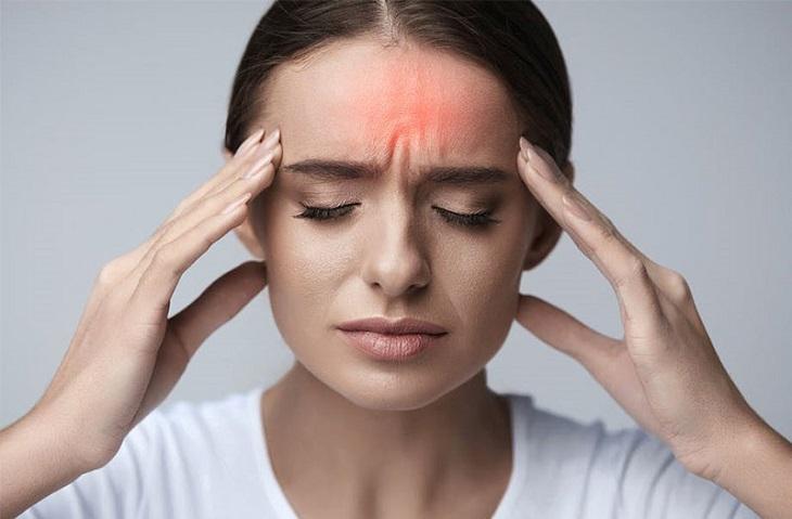 Bấm huyệt ấn đường giúp giảm đau đầu hiệu quả