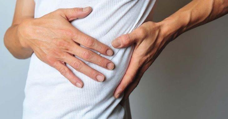 Huyệt Đản Trung tác động đúng cách có thể trị chứng đau dây thần kinh liên sườn hiệu quả