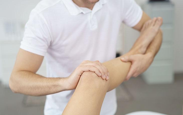 Bấm huyệt Độc Tỷ chữa đau nhức khớp gối