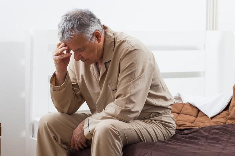 Bệnh nhân mất ngủ do tuổi tác