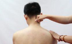 Huyệt Thiên Tông: Vị trí, tác dụng và cách bấm huyệt trị bệnh