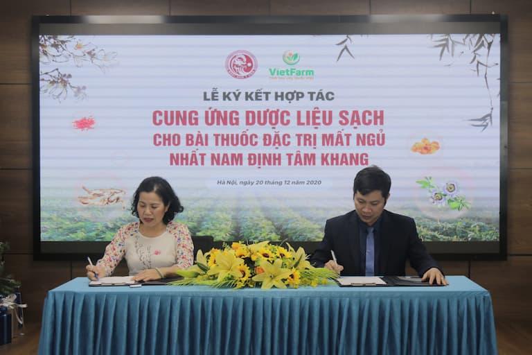 Kí kết cung ứng dược liệu sạch cho bài thuốc Nhất Nam Định Tâm Khang