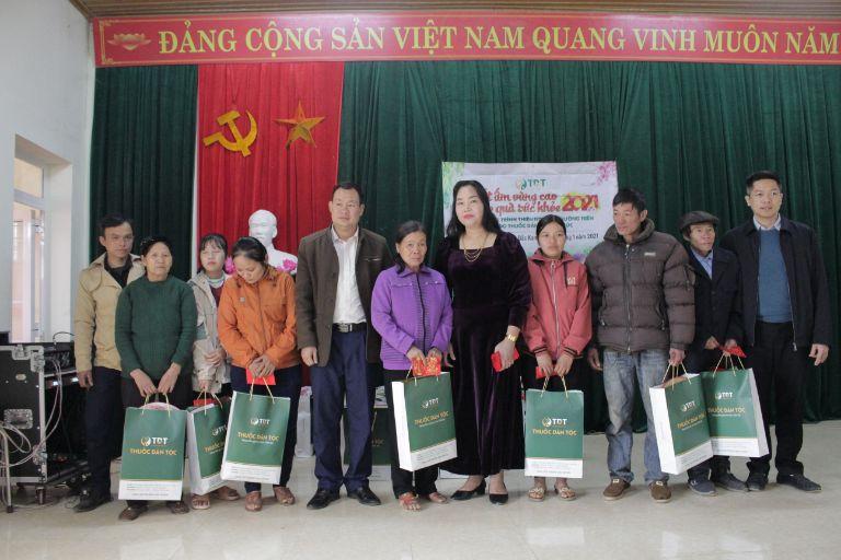 Trung tâm Thuốc dân tộc tổ chức chuyến thiện nguyện về vùng cao Bắc Kạn