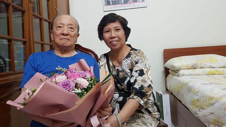 Bác sĩ Doãn Hồng Phương và Giáo sư Tài Thu