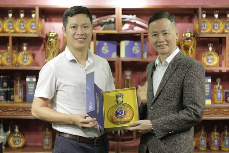 Nghệ sĩ Tùng Dương luôn yêu thích và sử dụng sản phẩm của Vietfarm