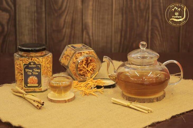 Pha trà đông trùng là cách sử dụng đơn giản và hiệu quả