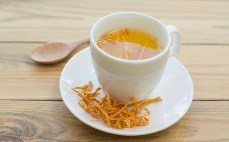 Trà đông trùng hạ thảo là thức uống thơm ngon