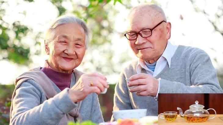 Một trong những tác dụng của đông trùng hạ thảo với người già chính là bồi bổ sức khỏe hiệu quả