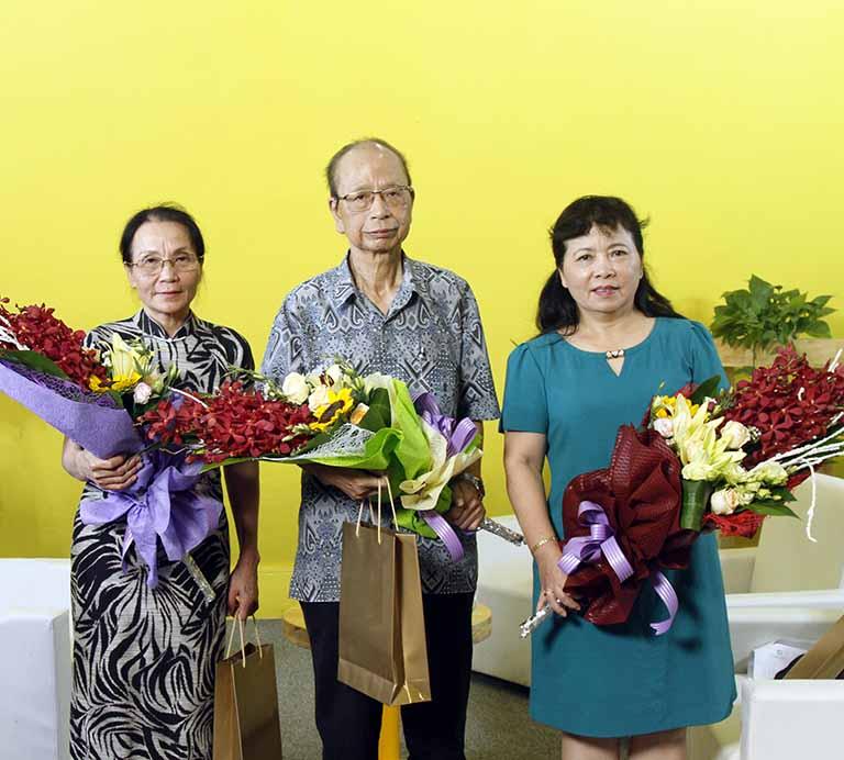 Bác sĩ Lê Phương trong buổi tọa đàm cùng Cố PGS.TS Nguyễn Nhược Kim