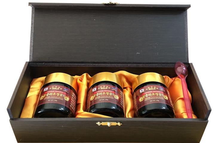 Sản phẩm được bào chế từ 100% đông trùng tự nhiên Hàn Quốc và đóng gói tiêu chuẩn theo hộp 3 lọ