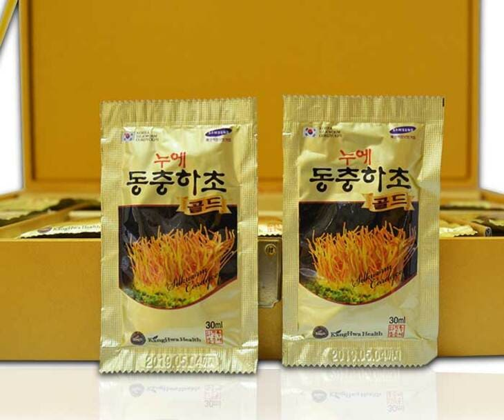 Nước uống Kanghwa được bào chế từ đông trùng tươi