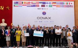 Nỗ lực để có vắc xin phòng COVID -19 cho người dân