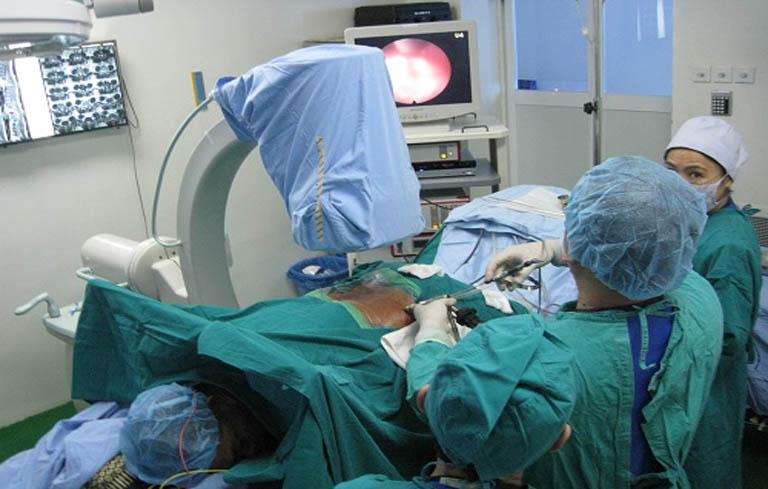 Bác Hoàng Kim Lý phát hiện viêm dạ dày cấp và từng thực hiện phẫu thuật chữa bệnh