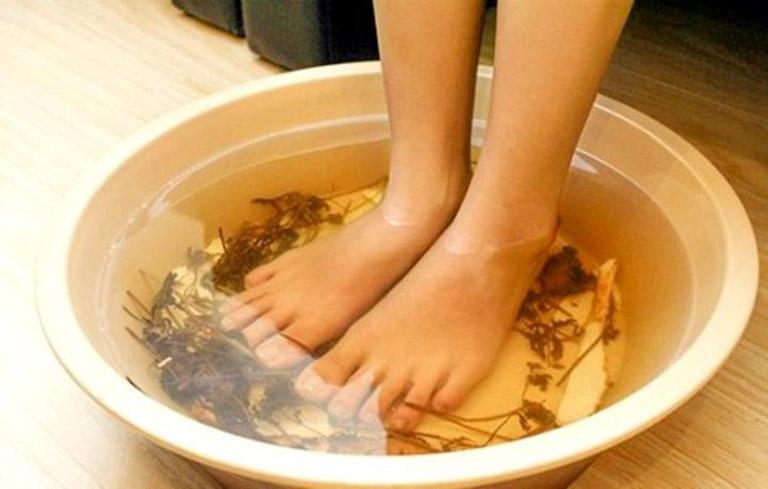 Ngâm chân là phương pháp thư giãn giúp bạn đi vào giấc hiệu quả