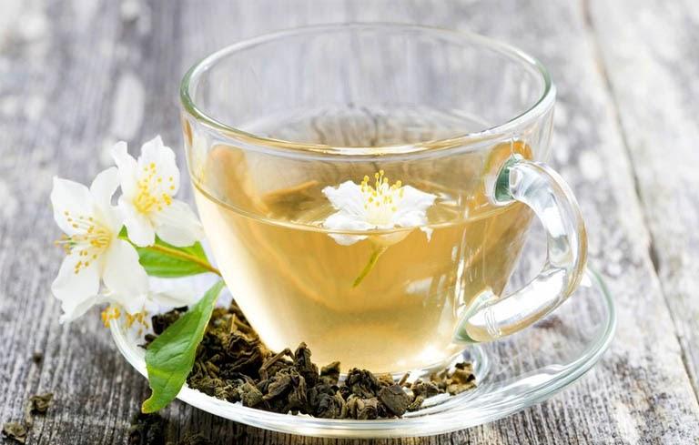 Uống nước hoa nhài để chữa mất ngủ