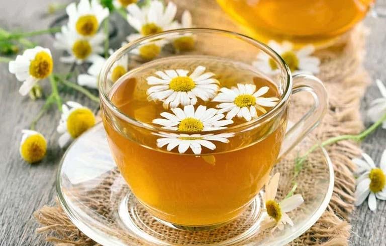 Cải thiện giấc ngủ bằng trà hoa cúc