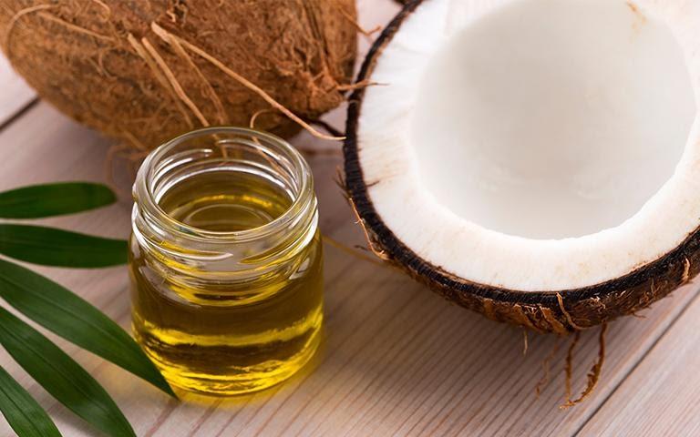 Chữa viêm âm đạo tại nhà với dầu dừa