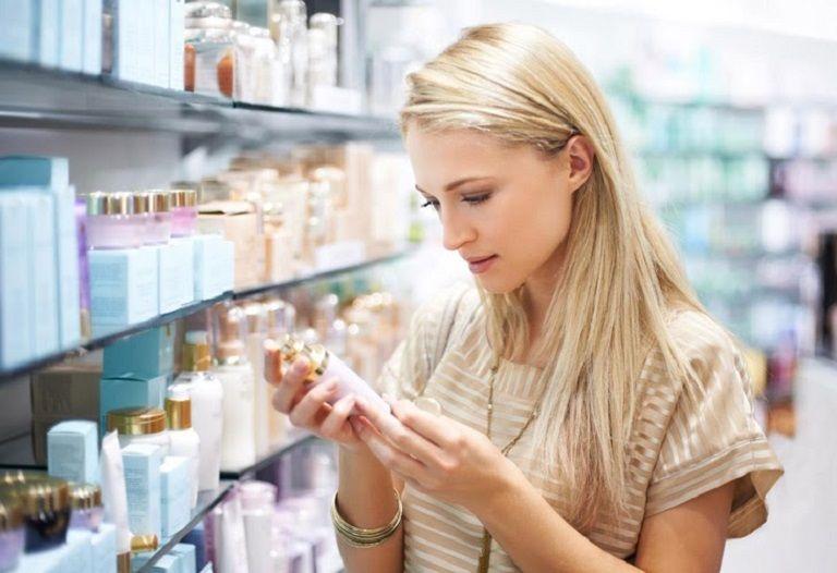 Lựa chọn kem thuốc trị mụn bọc nên chú ý tới các thành phần an toàn