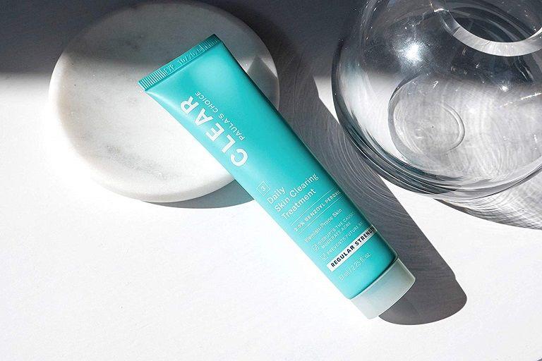 Kem Benzoyl Peroxide giúp loại bỏ mụn và dưỡng trắng da, ngăn ngừa thâm sẹo