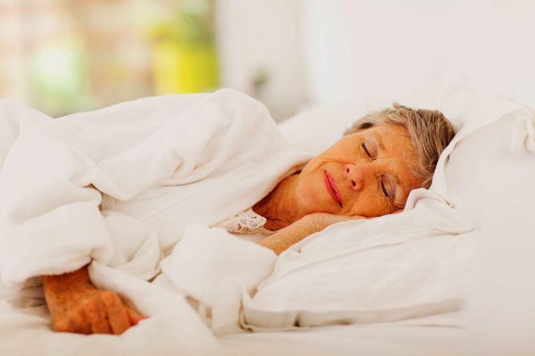 Người bị mắc bệnh viêm khớp, viêm xoang, dạ dày có thể bị mất ngủ mãn tính