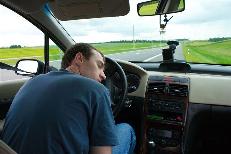 Người bị mất ngủ mãn tính sẽ gia tăng nguy cơ gây tai nạn giao thông
