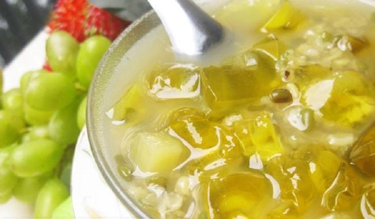 Nha đam tươi đem nấu với hạt sen, đậu xanh cũng mang lại hiệu quả tuyệt vời