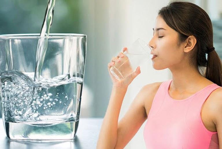 Uống đủ nước tốt cho cơ thể