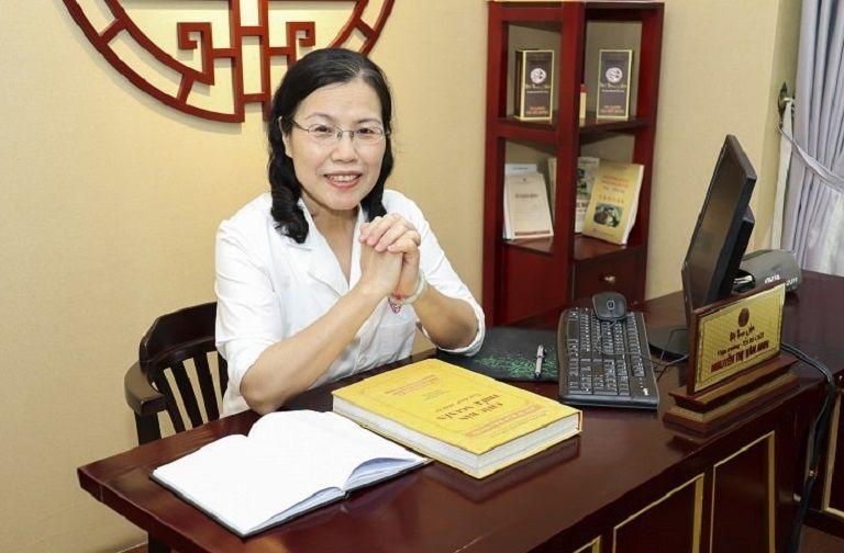 Bác sĩ Vân Anh là người có công lớn sưu tầm cuốn Châu Bản Triều Nguyễn